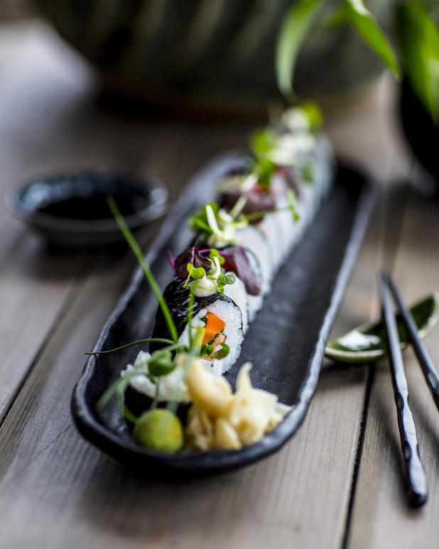 Sotad-laxmaki-med-avokado-och-picklad-morot_large