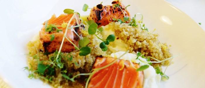 sotad-lax-med-blomkalspure-och-rostad-quinoa